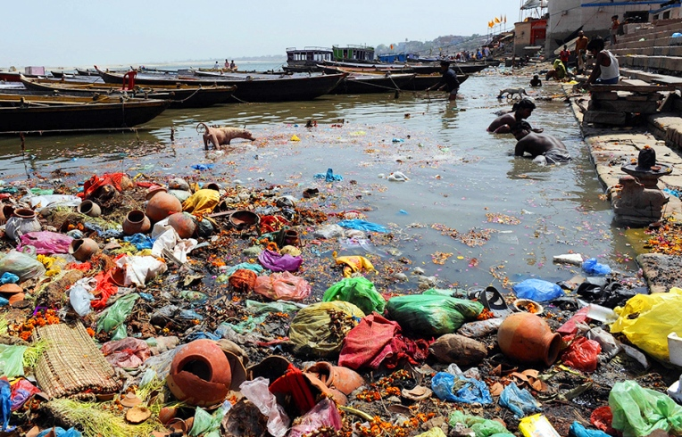 water pollution in dhaka city essay This essay will give an overview of the sources as well as the negative impacts of  air and water pollution on humans in three cities, bangkok, dhaka and mexico,.