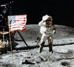 5 Strong Reasons Space Travel Critics Give against the Landings on the Moon